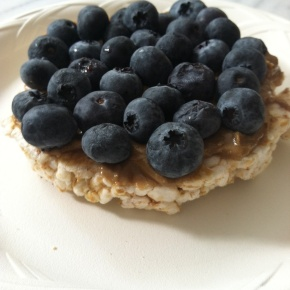 Rice Cake with Sunflower Butter and Blueberries