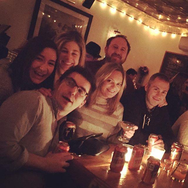 Bar crawlin' #blondeambition 💁🏼 #shiftit ➡️ #lemming #extenZe #peneloperosé