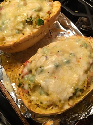 spaghetti squash with broccoli and pepper jack4