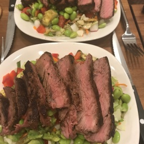 Small Kitchen Cooking: SteakSalad
