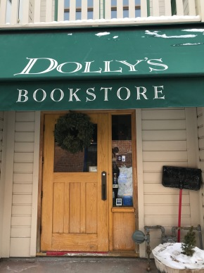 PSA: Dolly's Bookstore