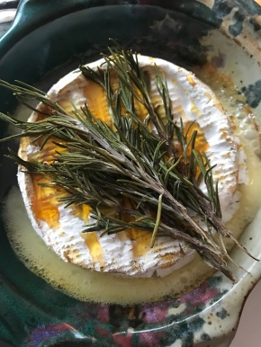 Baked Brie with Rosemary andHoney