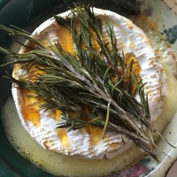 Baked Brie with Rosemary and Honey
