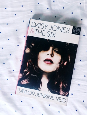 Book Review: Daisy Jones and The Six