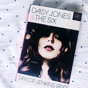 Book Review: Daisy Jones and TheSix
